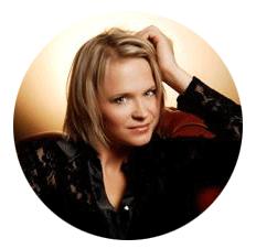Agnieszka Serniak Polish voiceover headshot