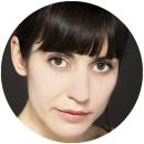 Andreea Padurariu Romanian voiceover headshot