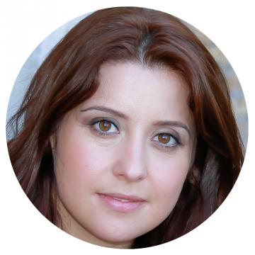 Anna Elena Pepe Italian voiceover headshot