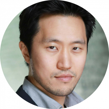 Arthur Lee Korean male voiceover headshot