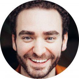 Atilla Akinci German Turkish Male Voiceover Headshot
