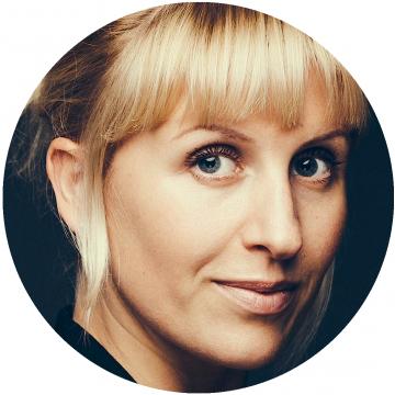 Cecillie Aclon Danish voiceover headshot