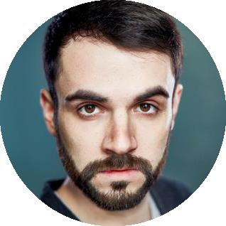 Daniel Marino Spanish male voiceover Headshot