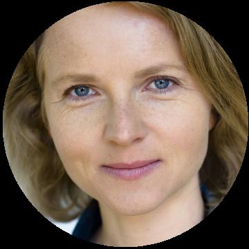 Elisabeth Dahl Norwegian voiceover headshot