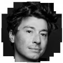 Francois Correia Portuguese Brazilian voiceover headshot