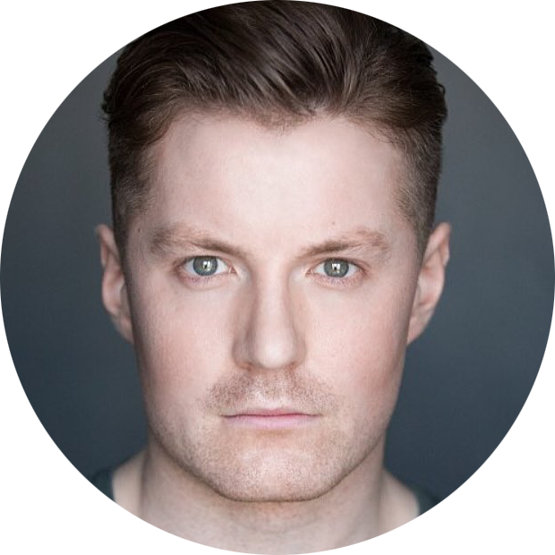Iestyn Arwel Welsh male voiceover Headshot