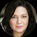 Isa Almeida Portuguese female voiceover Headshot