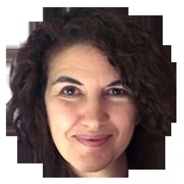 Jacqueline Vitali Spanish Latin voiceover headshot