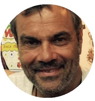 Javier Fernandez Spanish voiceover headshot