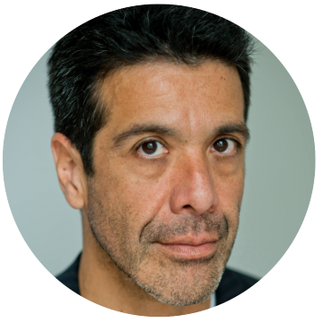Julio Galan Spanish Latin voiceover headshot