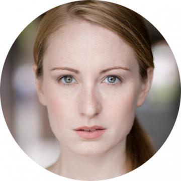 Kat Sellner German female voiceover Headshot