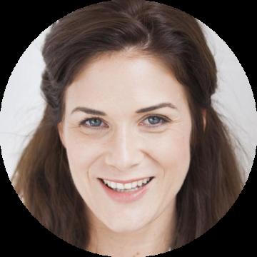 Katharina Weithaler German female voiceover Headshot