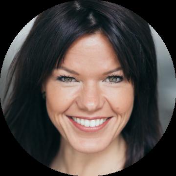 Kilke Van Buren Dutch female voiceover headshot