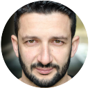Konstantinos Kavakiotis Greek voiceover headshot