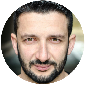 Konstantinos Kavakiotis Greek voiceover headshot