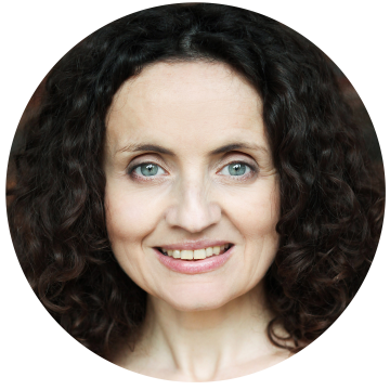 Lara Parmiani Italian voiceover headshot