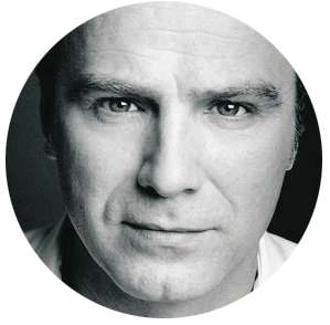 Laurentiu Possa Romanian male voiceover headsho