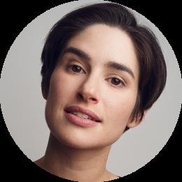 Lucia Saavedra, Spanish, Female, Voiceover, Headshot