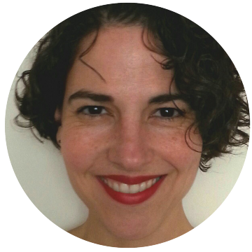 Madeleine Machado Portuguese Brazilian voiceover headshot