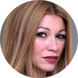 Magda Rodriguez Spanish Female Voiceover Headshot