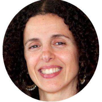Margot Caroni Portuguese Brazilian voiceover headshot