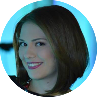 Marinela Cojocaru Romanian female voiceover Headshot