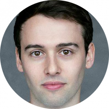 Max Dinnen male voiceover Headshot