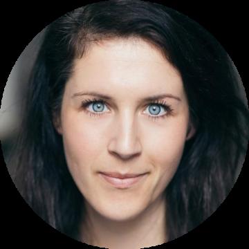 Mickey van Rijn Dutch female voiceover Headshot
