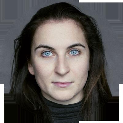 Niamh Shepheard female voiceover Headshot