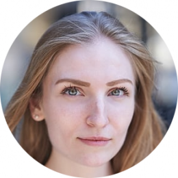 Nicola Ditter, French, German, Female, Voiceover, Headshot