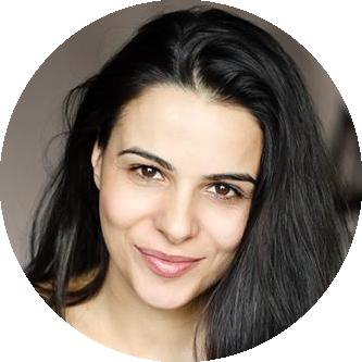 Nina Deiana Italian female voiceover Headshot