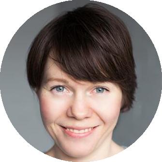 Rachel August Norwegian female voiceover Headshot