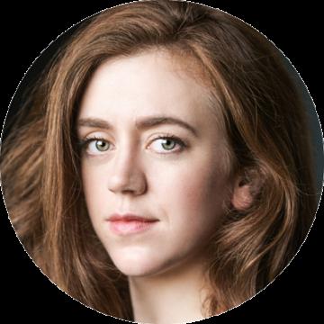 Rebecca Lee female voiceover Headshot