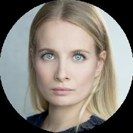 Rosina Aichner, German, Yiddish, Female, Voiceover, Headshot