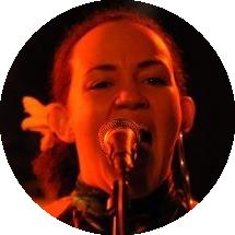 Sanna Hartfield Swedish female voiceover Headshot
