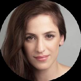 Sara Ballesteros Spanish Female Voiceover Headshot