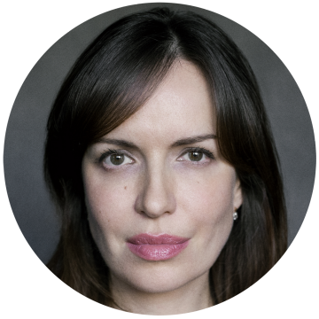 Senia Devine Russian voiceover headshot